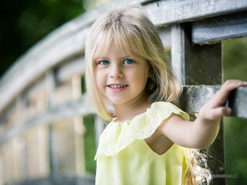 Séance photo d'enfant en extérieur – Lauli