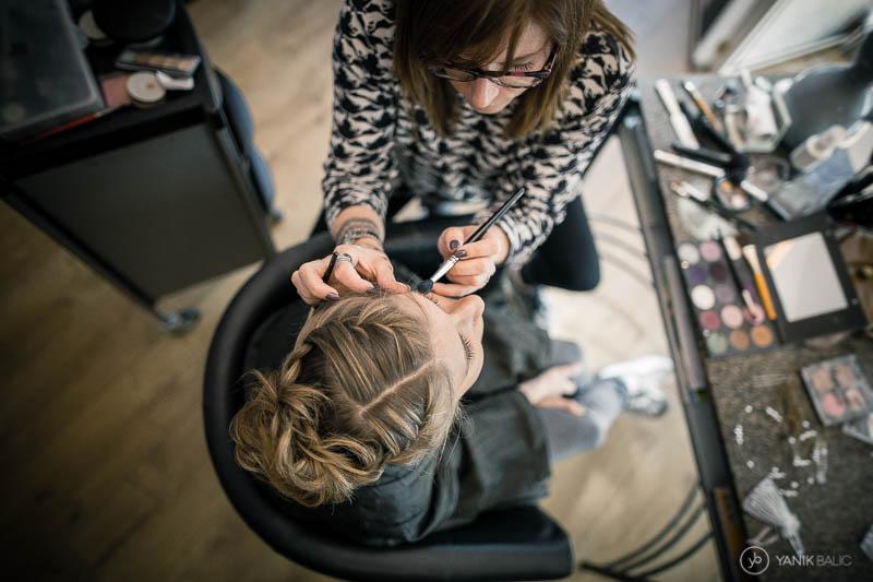 Reportage photo de mariage au salon de coiffure de Lille