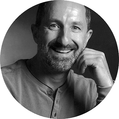 Portrait du photographe YANIK BALIC
